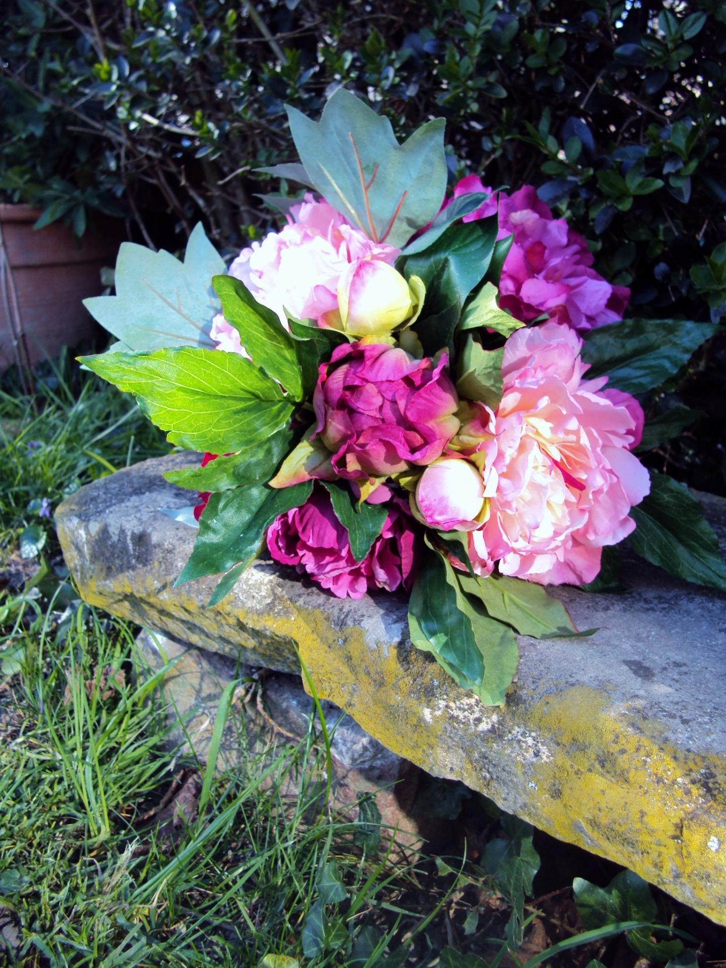 Bouquet de pivoines rose fuchsia fleurs artificielles effet naturel - Bouquet fleurs artificielles ...