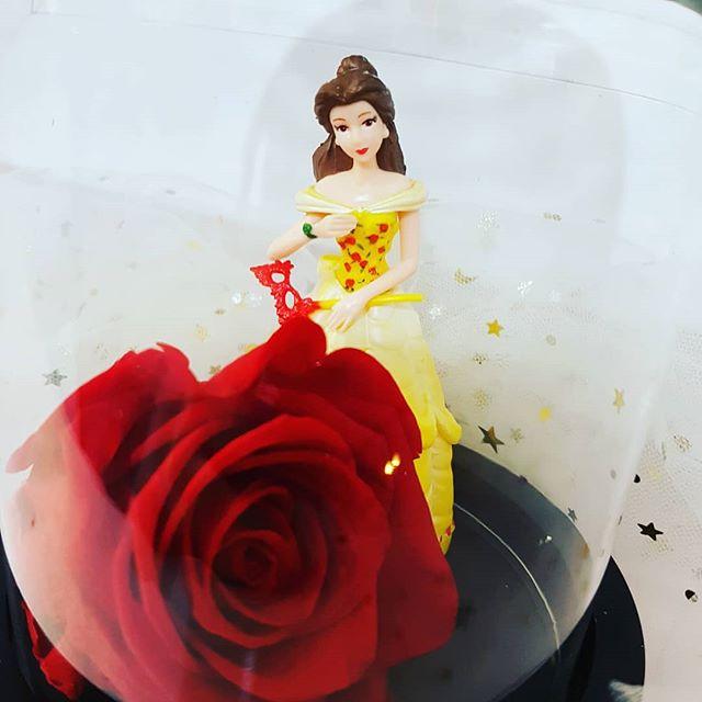 CLOCHE Disney ROSE éternelle parfumée La Belle et la Bête