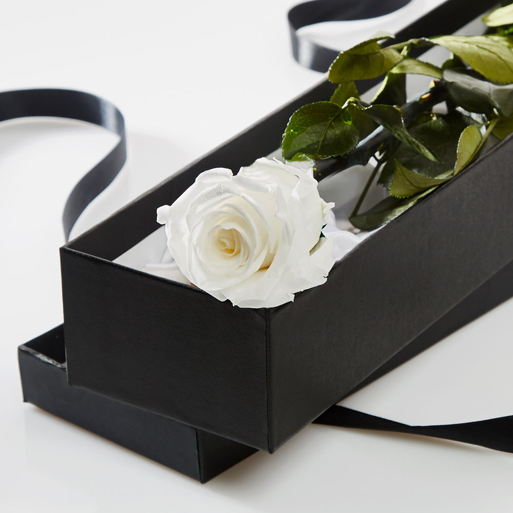 Rose sur tige prête à offrir