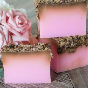 Savon artisanal bouquet de rose artifleurs